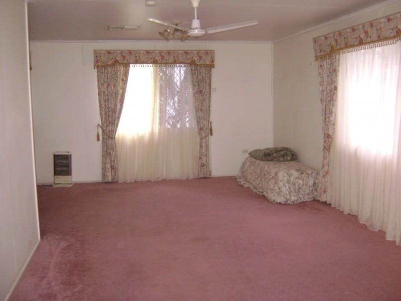 12 Conachan Street, Blackwater QLD 4717