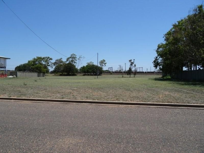 3-5 Schotia Street, Blackwater QLD 4717