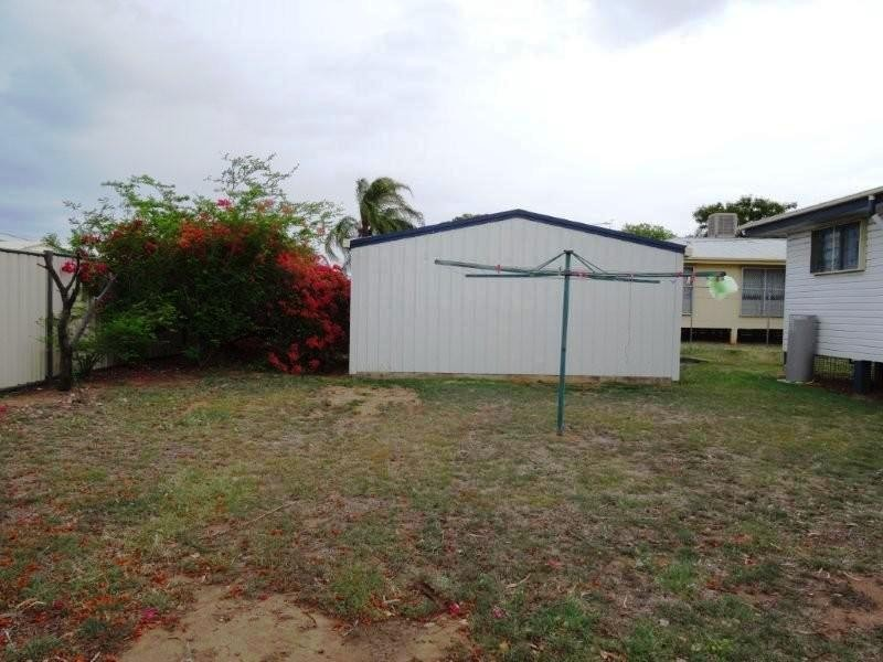 29 Long Street, Blackwater QLD 4717
