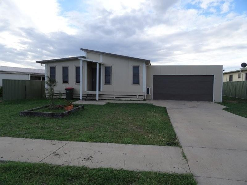 6 Hunter Street, Blackwater QLD 4717