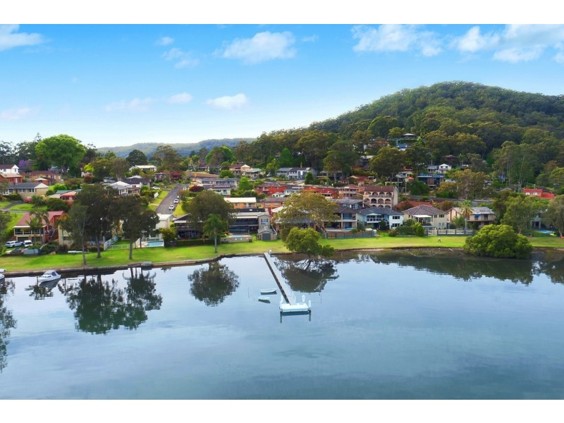 54 Asca Drive, Green Point NSW 2251