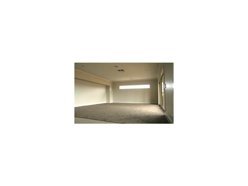 LOT 813 TOWER HILL AVENUE, Doreen VIC 3754