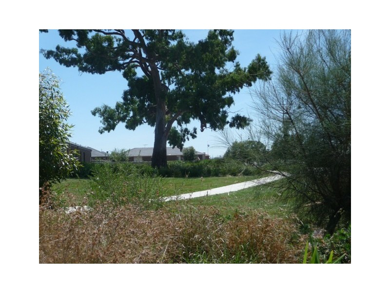 Lot 813 Viewhill Court, Doreen VIC 3754