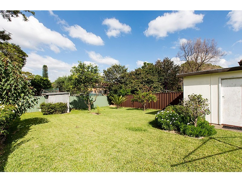 74 Amy Street, Regents Park NSW 2143