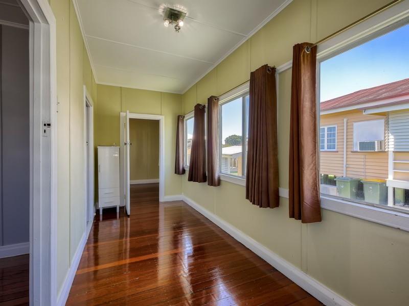 12 Thirteenth Avenue, Kedron QLD 4031