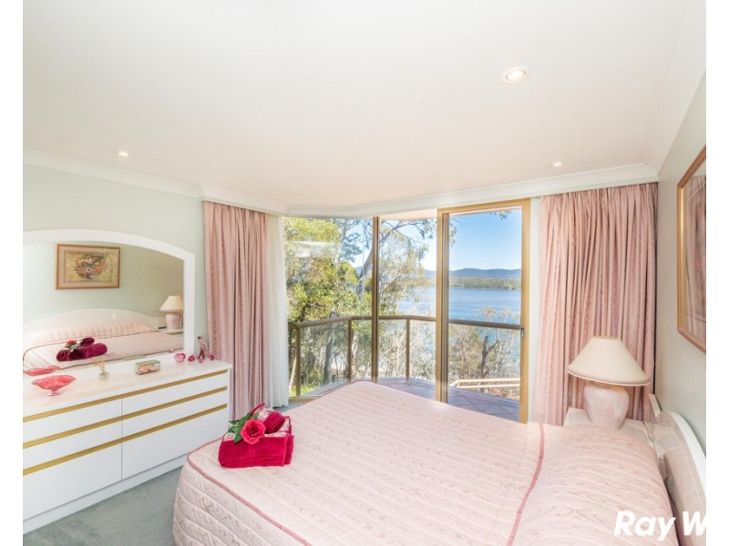 43 Green Point Drive, Green Point NSW 2428