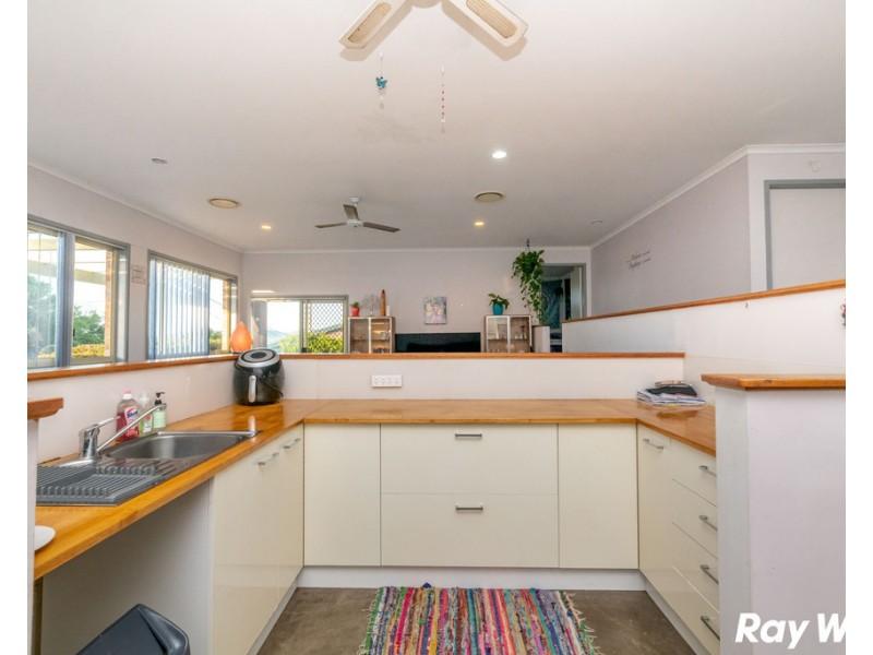 4 Frazer Avenue, Green Point NSW 2428