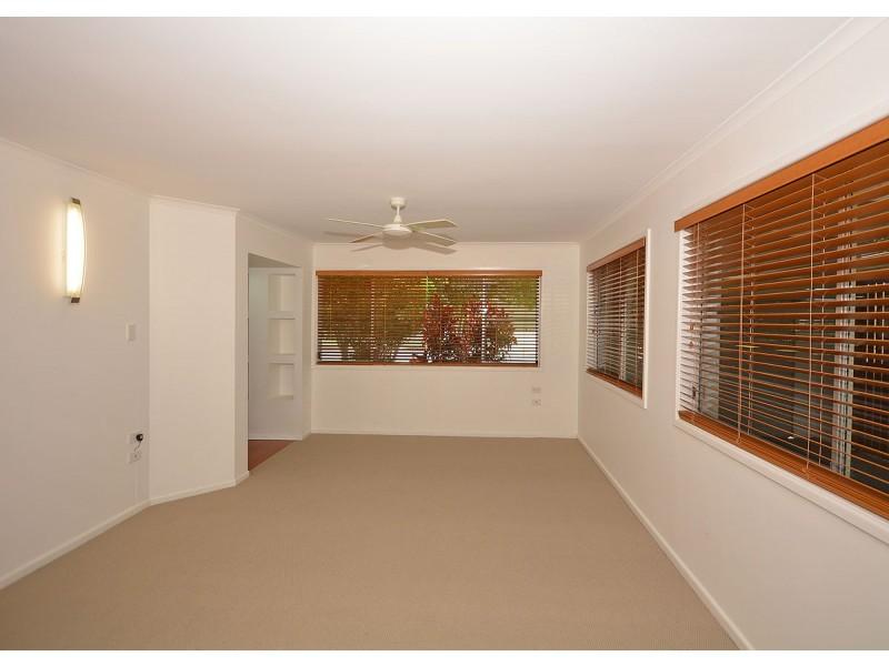 69 Long Street, Point Vernon QLD 4655