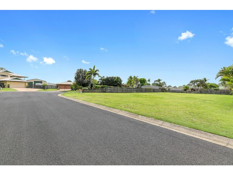 11 Merrilyn Court, Urangan QLD 4655