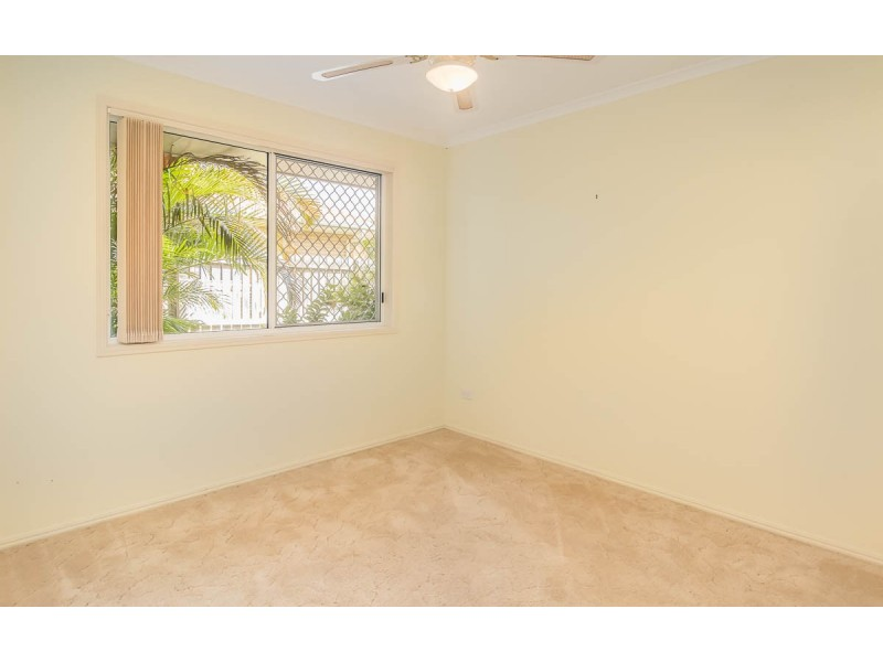10 Hood Street, Urangan QLD 4655