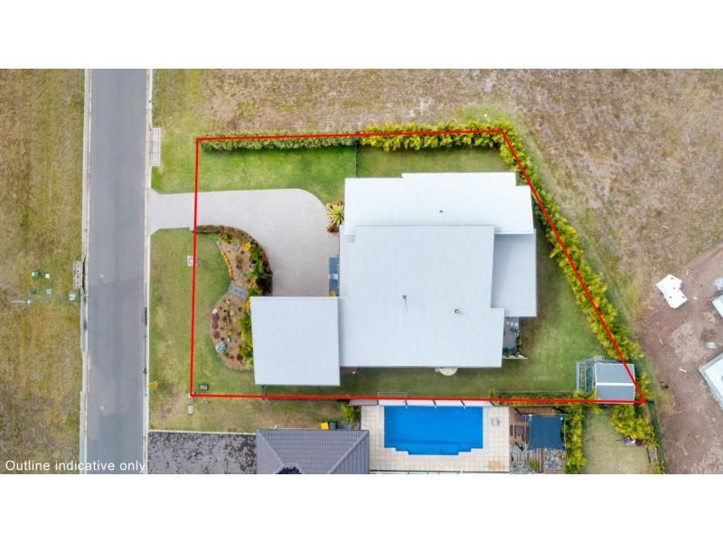 4 Fulmar Court, Burrum Heads QLD 4659