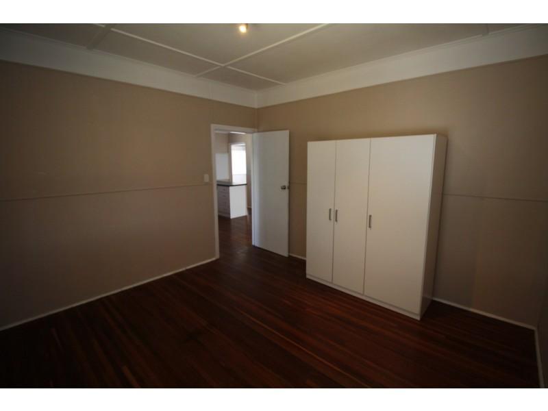 2/125 Pulgul Street, Urangan QLD 4655