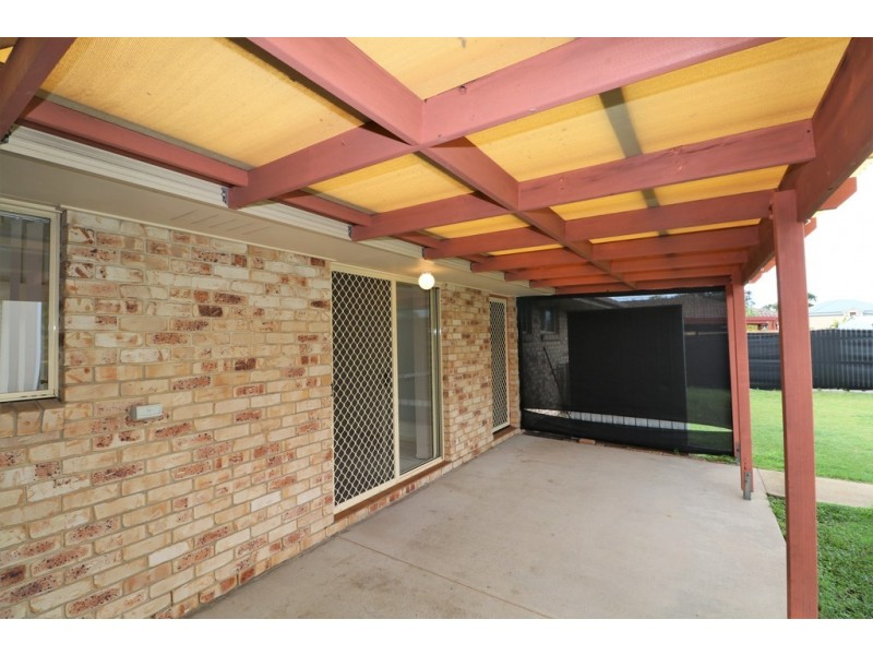7 Satinay Street, Urangan QLD 4655