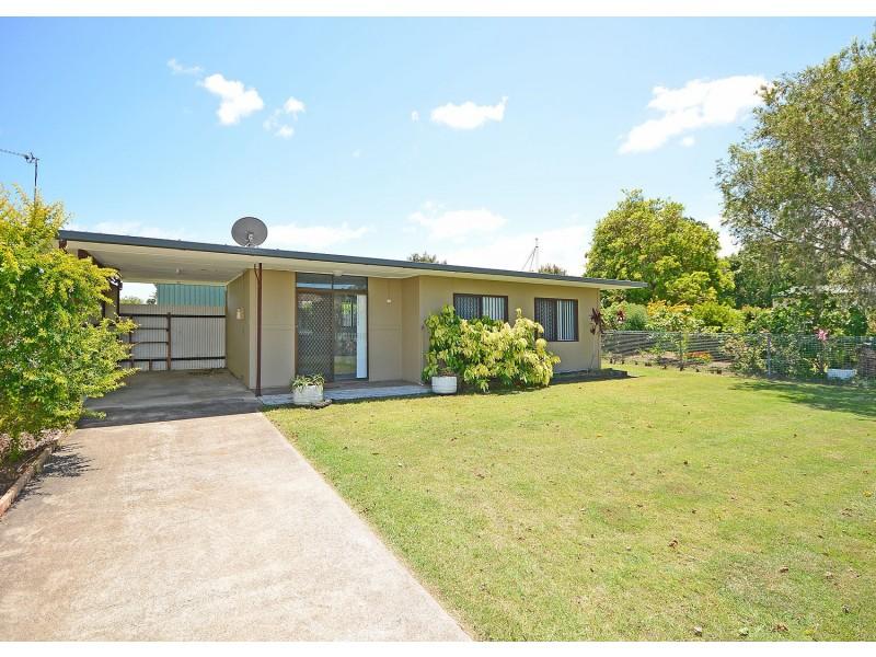 12 Edward Street, Urangan QLD 4655