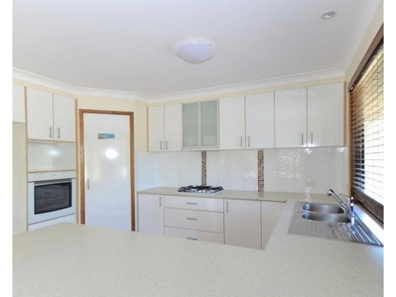 16 Lakeside Drive, Burrum Heads QLD 4659