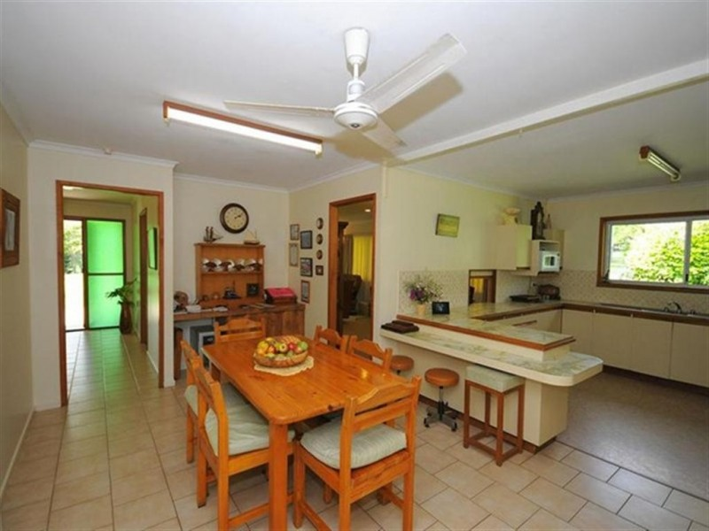 42 ROKEBY RD, Booral QLD 4655