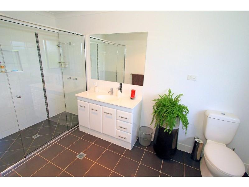 985 Ridgelands Rd, Alton Downs QLD 4702