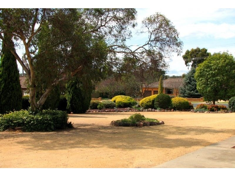 51 Warraderry Street, Grenfell NSW 2810