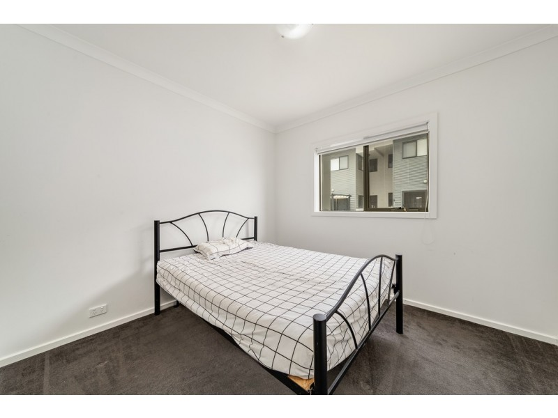 29/40 Henry Kendall Street, Franklin ACT 2913
