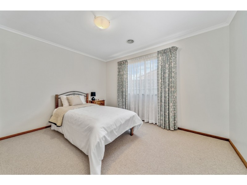 16 Kingscote Crescent, Bonython ACT 2905