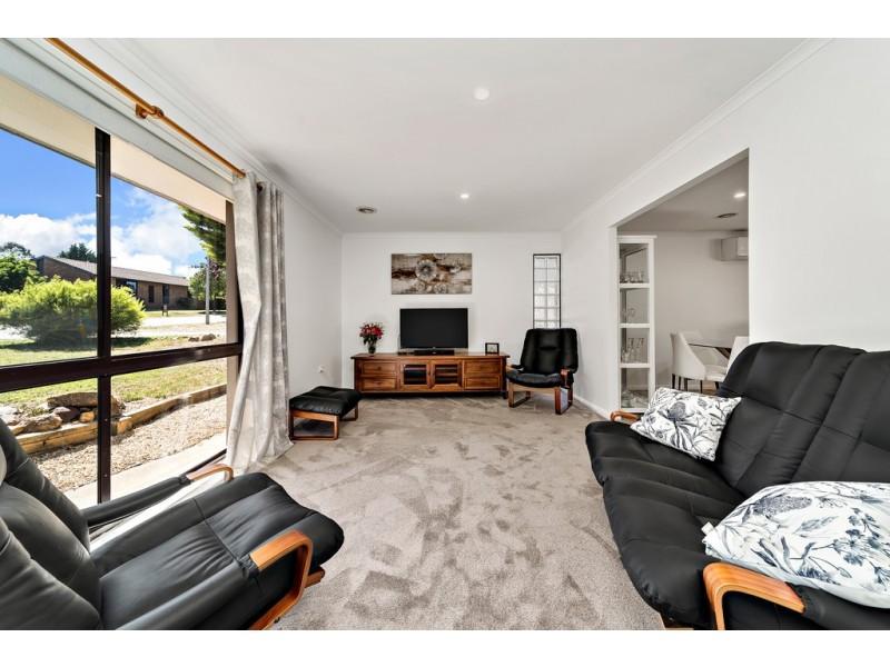 15 Wolff Crescent, Latham ACT 2615
