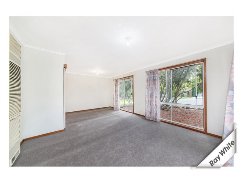 11 Hart Close, Palmerston ACT 2913