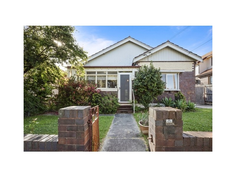 11 Hermitage Rd, West Ryde NSW 2114