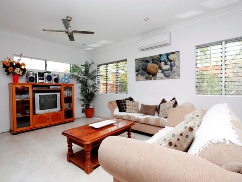 2 Marita Court, Bushland Beach QLD 4818