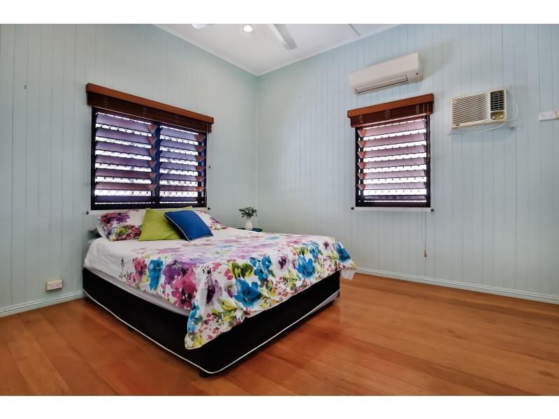 7 Roberts Street, Hermit Park QLD 4812