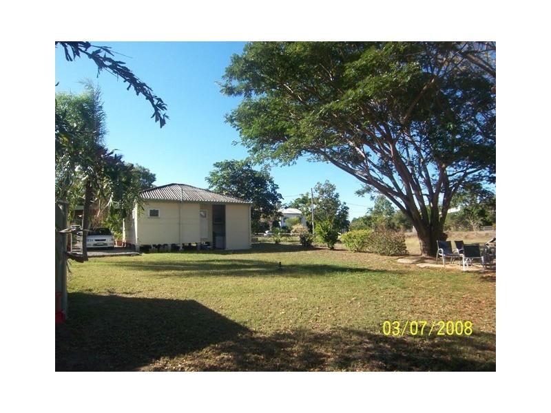 8 Jermyn Street, Hyde Park QLD 4812