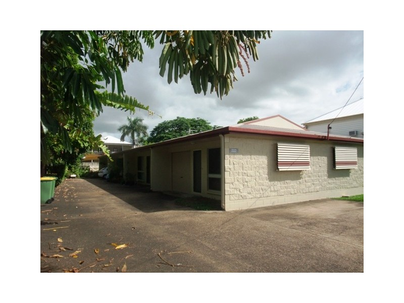 1/116 Queens Road, Hermit Park QLD 4812
