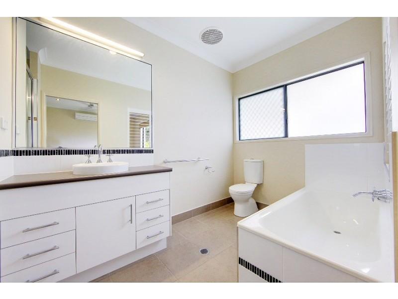 20 Chapple Street, Mount Louisa QLD 4814