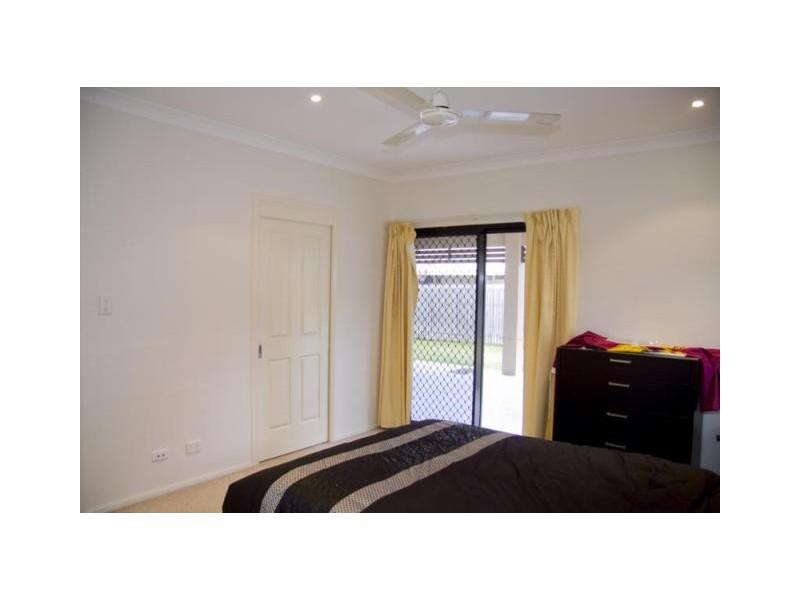 15 Timbury Way, Mount Louisa QLD 4814