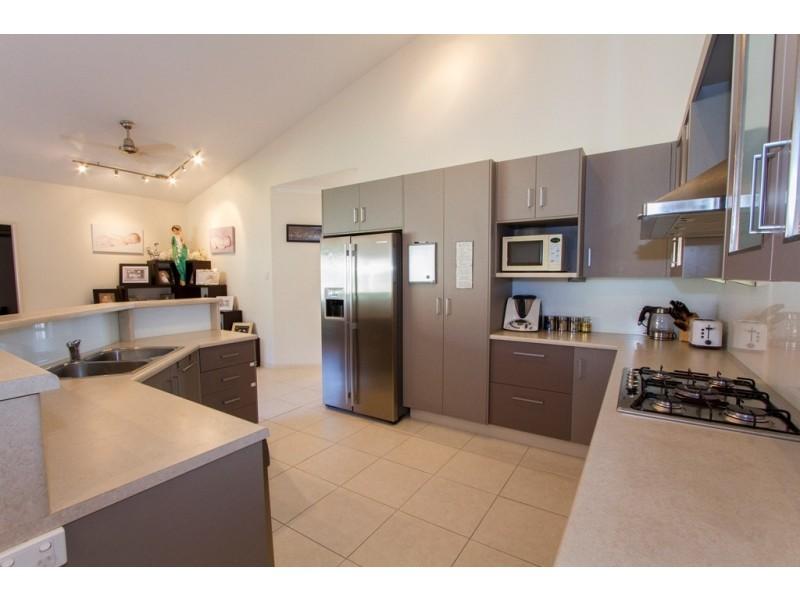 37 Thorn Street, Mount Louisa QLD 4814