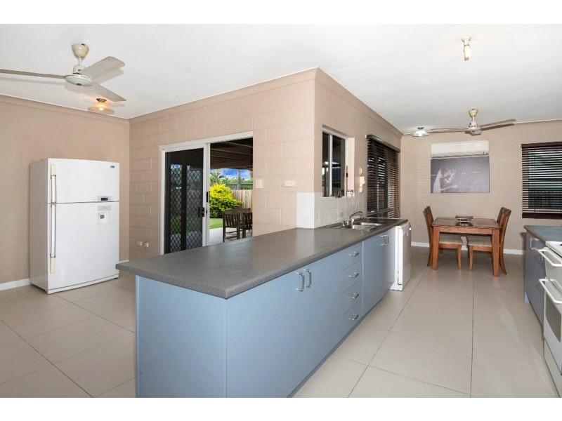 18 Currawong St, Condon QLD 4815