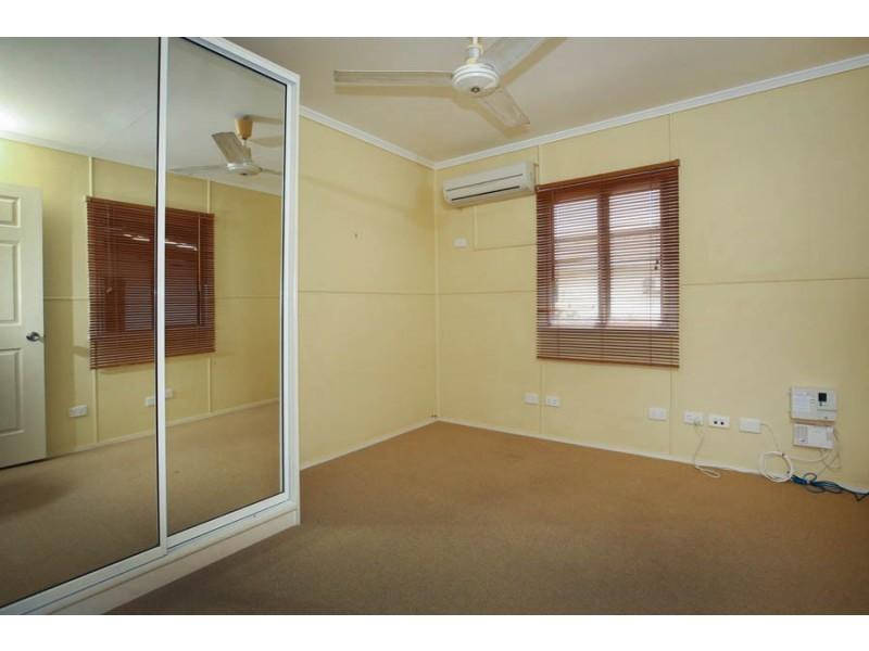 18 Wood Street, Mundingburra QLD 4812
