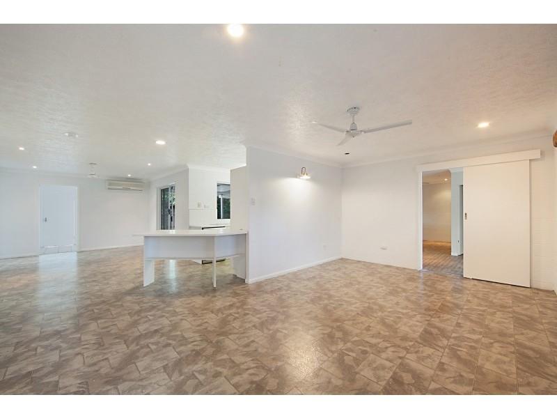 28 Leila Avenue, Rasmussen QLD 4815