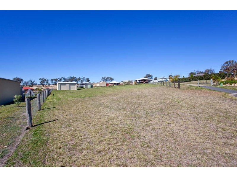 9 Petria Court, Meringandan QLD 4352