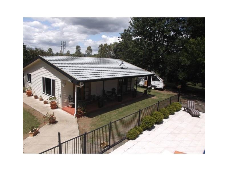 42 Goodsirs Road, Murphys Creek QLD 4352