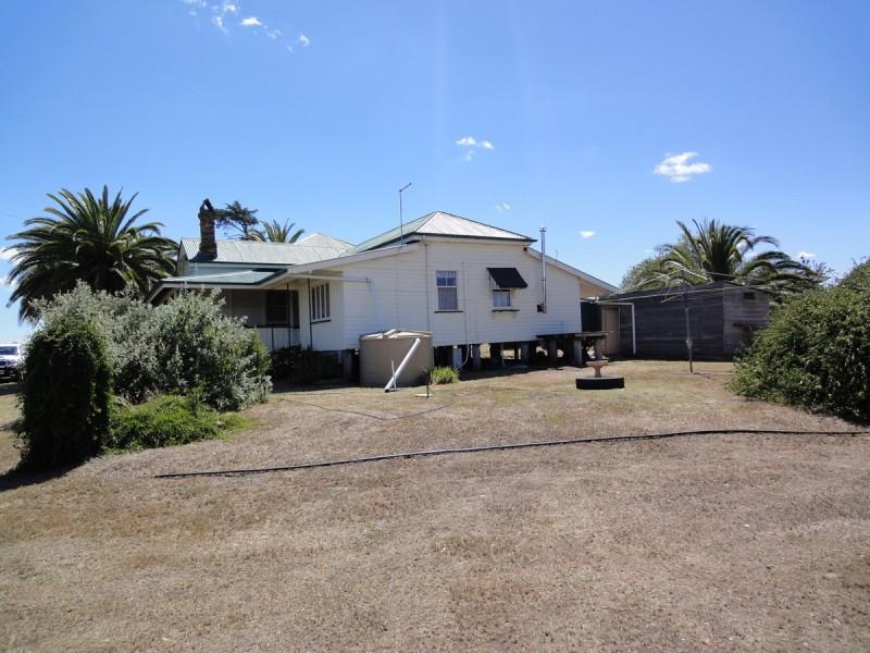 """ Glen View "" Mount Marshall, Allora QLD 4362"