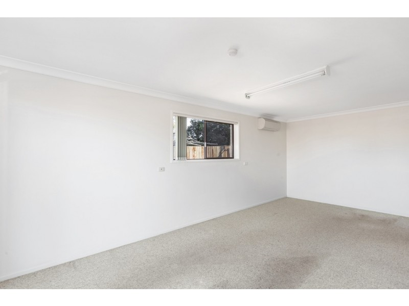 Unit 2/10 Gloucester Crescent, Darling Heights QLD 4350