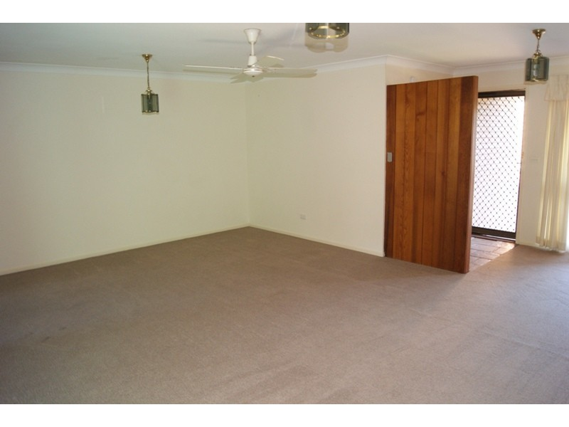1 Clare Crescent, Batehaven NSW 2536