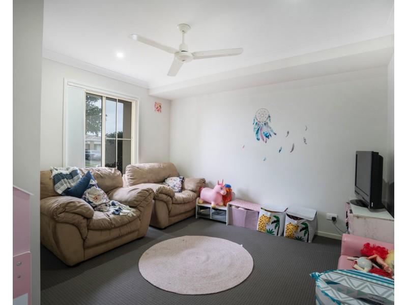 37 Adam Street, Beachmere QLD 4510
