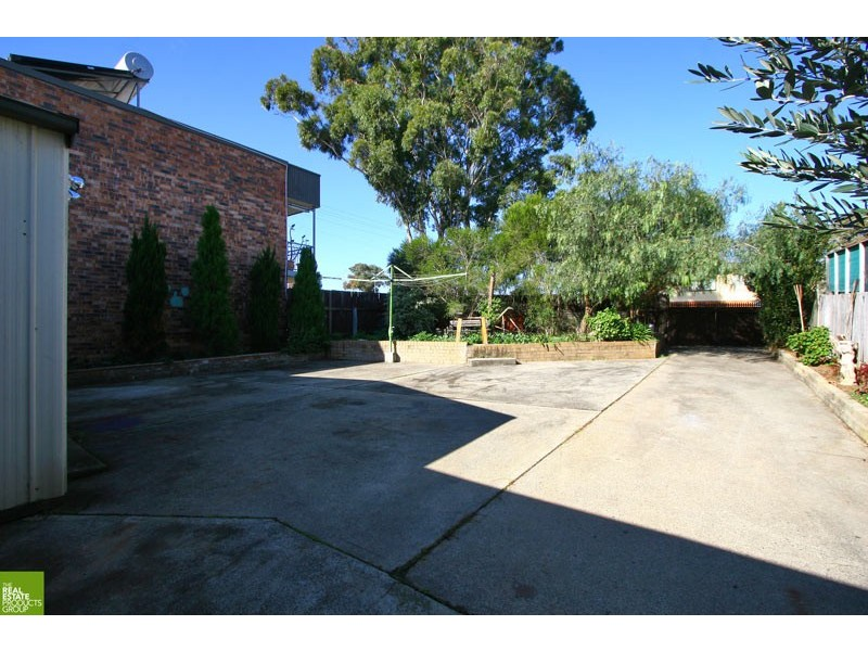 48 Kimbeth Cres, Albion Park Rail NSW 2527