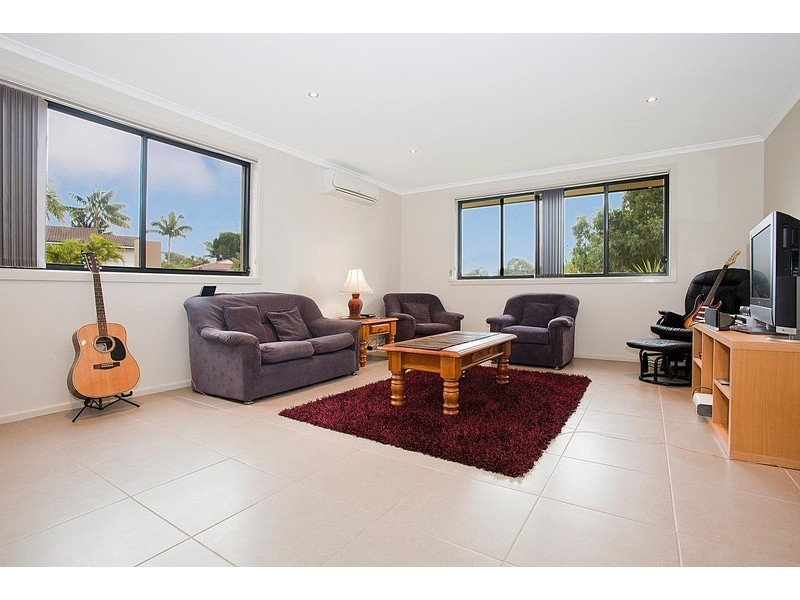 13 Woodlands Drive, Barrack Heights NSW 2528