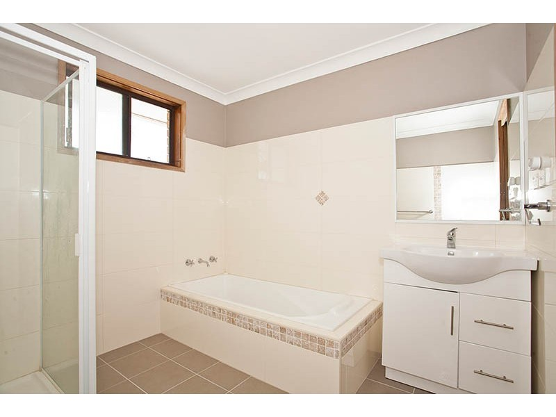 1 Blue Gum Place, Barrack Heights NSW 2528