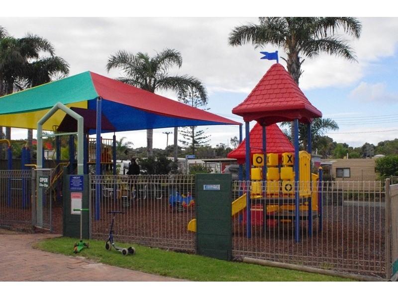 Cabin 117 Beach Haven Holiday Resort, Ulladulla NSW 2539