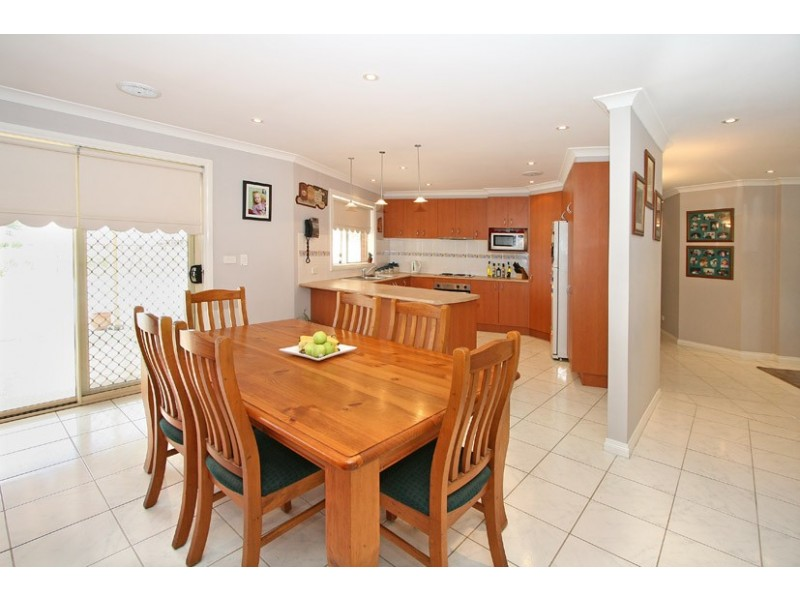 5 Cranesbill Lane, Mickleham VIC 3064