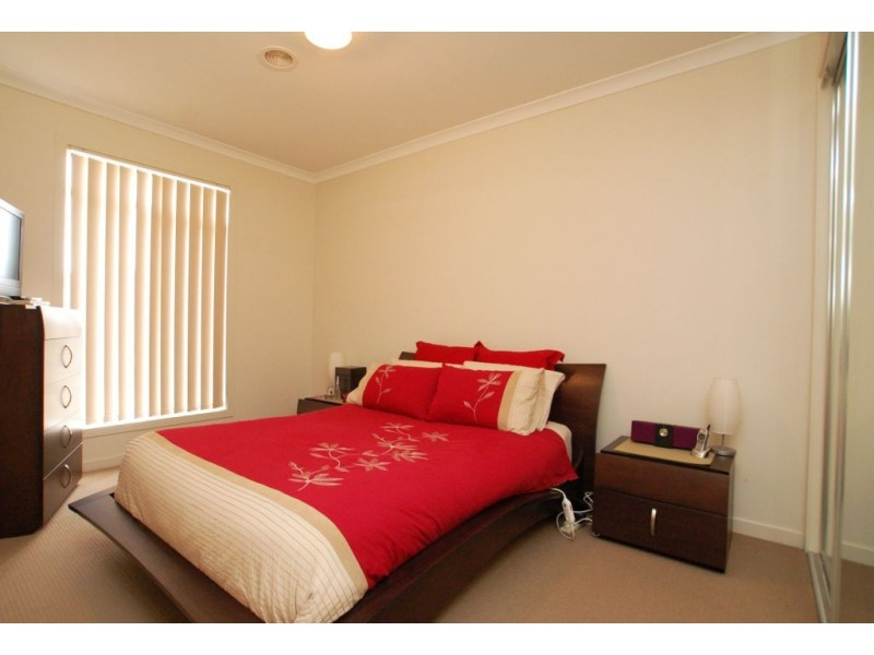 27 The Garlands, Craigieburn VIC 3064