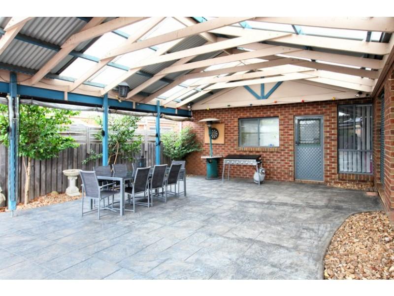 11 Barrett Court, Roxburgh Park VIC 3064